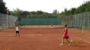 Pige Tennis